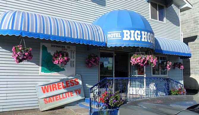 Hotels In Watson Lake Yukon Territory Canada Newatvs Info