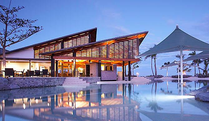 Radisson-Blu-Resort-Fiji-Denarau-Island