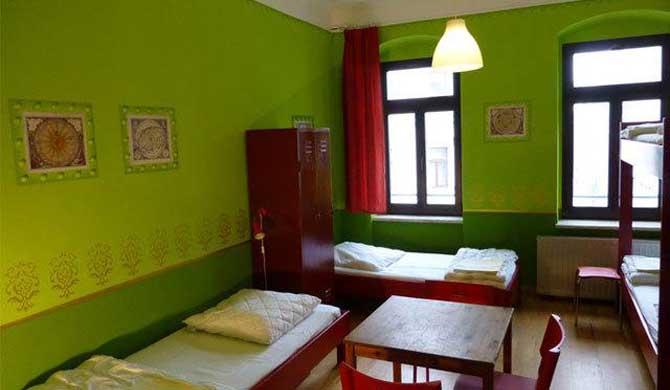 Hostel-Mondpalast-Room