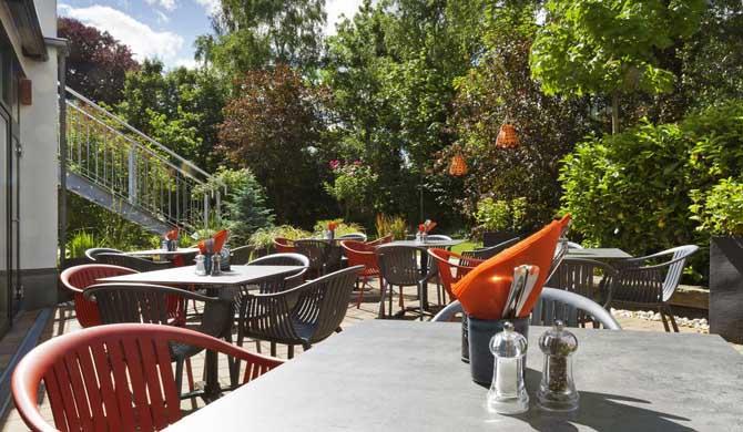 Holiday-Inn-Dresden-City-South-Backyard