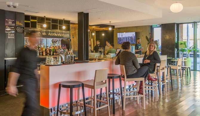 BreakFree-on-Cashel-Bar
