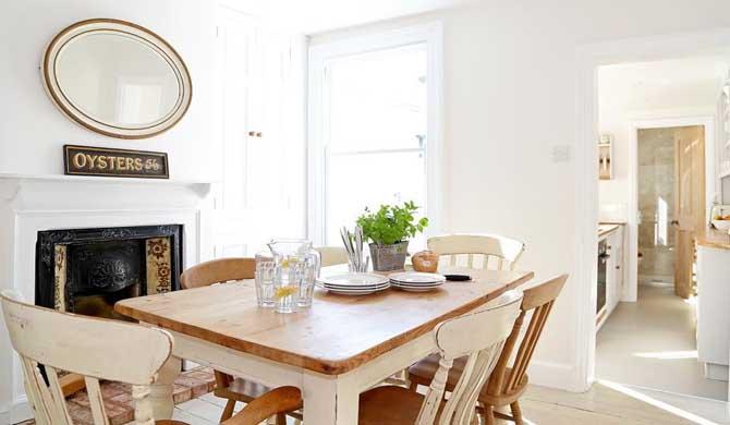 Oyster-Cottage-Room