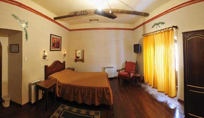 Hostal-La-Casona-Potosi-Room
