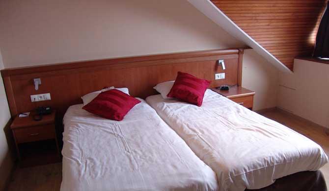 Hotel-Melba-Room